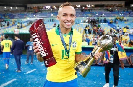 Everton Soares Bio: Tidlige liv, statistik, karriere og transfernyheder