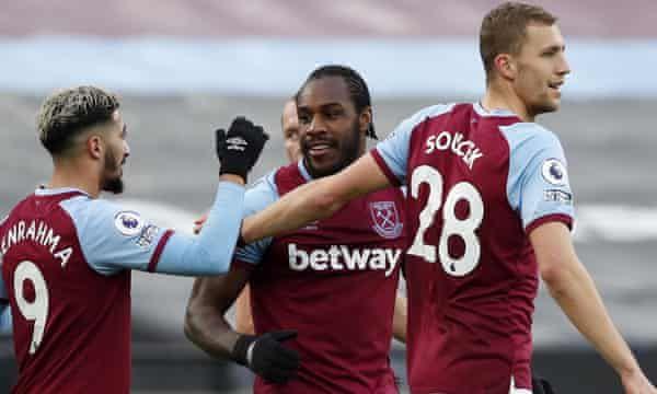 West Ham vence Burnley após marcar dois gols