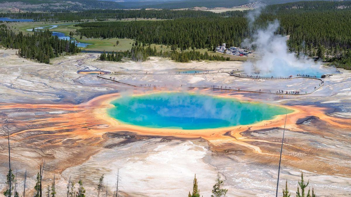 Jeloustounas ir 9 kiti aktyvūs ugnikalniai, kurie gali išsiveržti bet kurią minutę
