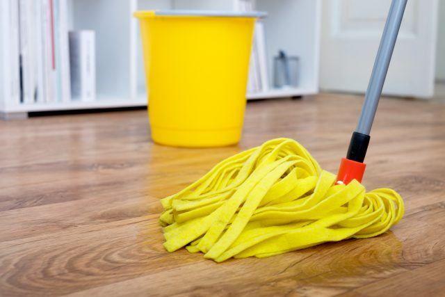 Najboljši način za čiščenje lesenih tal